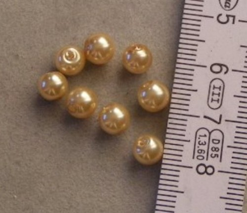 Parel 6mm goud.